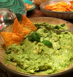 Guacamole, perfect for a Mexican night with friends!