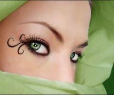 Amazing Makeup Art    Nail Art Design With Diamonds Wallpaper