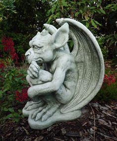 Gartendeko aus stein  Steinfigur Gargoyle - Mystische Gartendeko aus Stein | ceramic ...