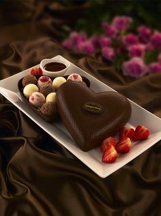 Sobremesa romântica para o Dia dos Namorados...http://www.sacadafashion.com.br/sobremesa-romantica-para-o-dia-dos-namorados/