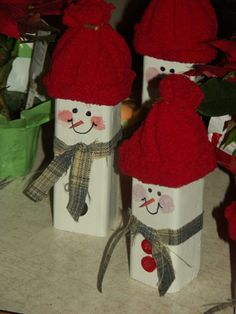 Wooden Snowmen , My Mother sister and I did this family of snowmen over the Thanksgiving week-end.   , , Holiday Project