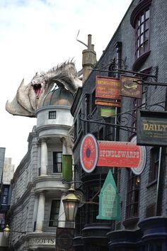 Dragon, Diagon Alley, Orlando, Florida