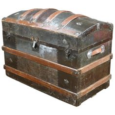 For Sale on - American dome top trunk. New leather handles. Typical of the this trunk is a superb example of the trunks used during the Old Trunks, Vintage Trunks, Trunks And Chests, Antique Trunks, Trunk Furniture, Upcycled Furniture, Trunks For Sale, Nautical Bathroom Decor, Buy Tile