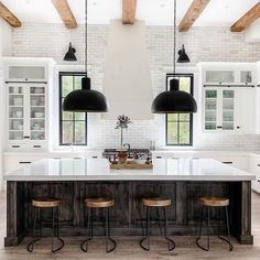 Who else loves the mixing of styles in this industrial loft styled farmhouse kitchen? Who else loves the mixing of styles in this industrial loft styled farmhouse kitchen? Decor, Kitchen Design, Farmhouse Kitchen, Industrial Farmhouse Kitchen, Kitchen Decor, White Wash Brick, New Homes, House, Home Decor