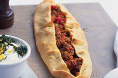 Bolognaise pide with mint and lemon  #recipe #turkishfood #turkish #turkey