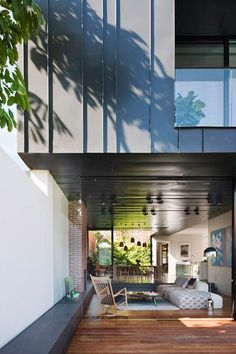 Modernist-inspired extension to a Victorian home in Melbourne.