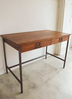 TRUCK|153. SUTTO DESK
