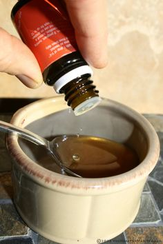 Make your own healthy cough chaser using drops Lemon essential oil in local honey or blue agave. Add 1 drop of Melrose essential oil blend to fight infection. Essential Oils For Massage, Essential Oils For Colds, Lemon Essential Oils, Essential Oil Uses, Natural Essential Oils, Young Living Essential Oils, Natural Oils, Melrose Essential Oil, Young Living Oils