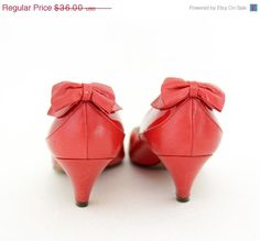 50 OFF SALE Vintage shoes / Peter Kaiser red bow heels / by nemres, $18.00