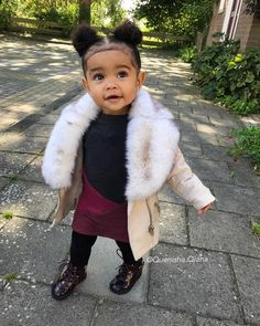 Look at this Gorgeous stylish kids clothes Cute Mixed Babies, Cute Black Babies, Black Baby Girls, Beautiful Black Babies, Cute Baby Girl, Cute Little Girls, Cute Babies, Baby Outfits, Outfits Niños