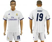 2016-2017 Real Madrid #19 MODRiC Home White Soccer Jersey