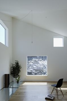 Townhouse in Shimoda is a minimal home located in Kanagawa, Japan, designed by EANA. The home was built for a client that consisted of a mar. Architecture Design, Minimalist Architecture, Amazing Architecture, Minimal Home, Minimal Decor, House Built, Japanese House, Home Interior Design, Design Projects