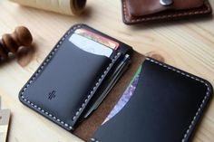 Mens Bifold Wallet with 4 Pockets Horween Black Chromexcel