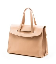 Mommy bag to briefcase to over night bag... I can put everything in here PASARALTO | Stuart Weitzman