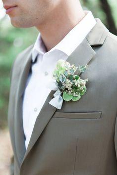 grooms boutonniere - http://ruffledblog.com/breezy-organic-wedding-inspiration