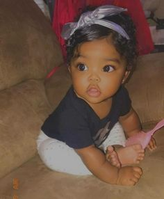 Best Picture For baby girl hairstyles curly For Your Taste You are looking for something, and it is Cute Mixed Babies, Cute Black Babies, Black Baby Girls, Beautiful Black Babies, Cute Little Baby, Baby Kind, Cute Baby Girl, Pretty Baby, Beautiful Children