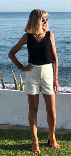 Jennifer's Jessa Shorts - Sewing Pattern by Tilly and the Buttons  #sewingpattern #shorts #sewingshorts #sewing #sewingblog #learntosew #handmadefashion #handmadeshorts