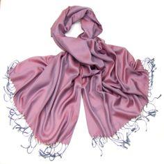 étole pashmina rose grisé uni  #mesecharpes.com http://www.mesecharpes.com/etole/etole-pashmina/etole-legere-rose-gris.html