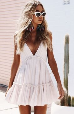 7df023c639d Gorgeous sundresses and sunnies for summer!