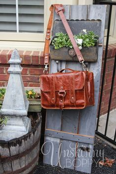 Love this for a diaper bag or briefcase like bag or just for anything!!   http://unskinnyboppy.com/wp-content/uploads/2013/04/Copper-River-Bag-Co-Diaperor-camera-Bag-Giveaway-at-www.unskinnyboppy.com-3.jpg