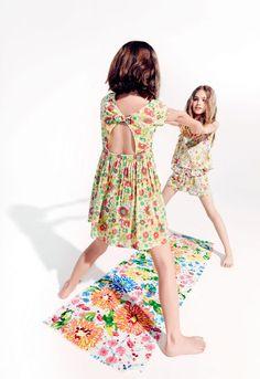 ZARA - LOOKBOOK - Look 14 Pretty Kids, Beautiful Little Girls, Cute Kids, Zara Kids, Preteen Girls Fashion, Kids Fashion, Zara Looks, Barefoot Kids, Kids Studio
