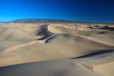 Khongoryn Els, desert Gobi, Mongolia Cool Landscapes, Mongolia, I Am Awesome, Mountains, Nature, Travel, Outdoor, Art, Photography