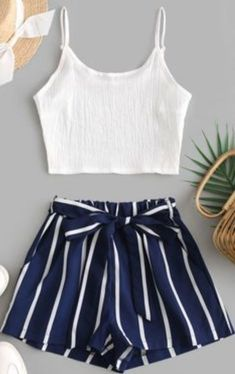 Cute Comfy Outfits, Cute Girl Outfits, Cute Summer Outfits, Pretty Outfits, Stylish Outfits, Teenage Girl Outfits, Summer Shorts, Work Outfits, Girls Fashion Clothes
