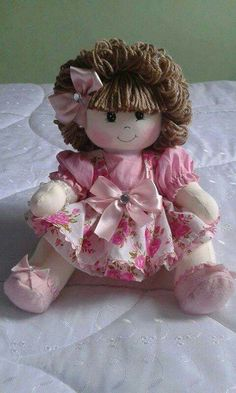 This post was discovered by Lu Doll Clothes Patterns, Doll Patterns, Doll Toys, Baby Dolls, Child Doll, Kids Toys For Boys, Diy And Crafts, Arts And Crafts, Ann Doll