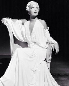 Vintage Hollywood, Classic Hollywood, Kay Francis, Turner Classic Movies, Joan Collins, Female Stars, Elizabeth Taylor, Movie Stars, Vintage Ladies