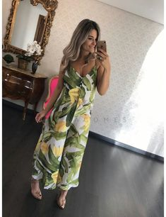 Summer Jumpers, Jumper Outfit, Tropical Dress, Girl Fashion, Womens Fashion, Sewing Clothes, Rompers, Style Inspiration, Outfits