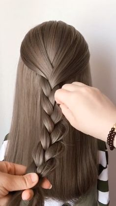 Simple hairstyles for you to learn to do at home! - Simple hairstyles for you to learn to do at home! Ponytail Hairstyles, Girl Hairstyles, Simple Hairstyles, Natural Hair Updo, Natural Hair Styles, Hair Upstyles, Trending Hairstyles, Hair Videos, Hair Hacks