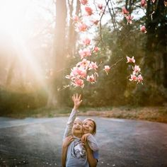 Big sisters for the win. Inspiring Photography, Film Photography, Children Photography, Big Sisters, Sister Pictures, Spring Is Here, Sunlight, Childhood, Portrait