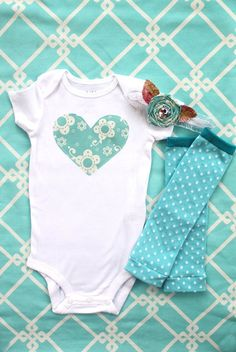 Adorable onsie, leg warmer and headband set!