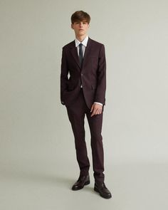 Whether for a special occasion or the upcoming holiday season, get event-ready with our evening wear edit. Our sophisticated suit offering features precise tailoring and quality materials from the very best in menswear. Think contemporary by Jil Sander, relaxed and of-the-moment by Marni and classic with an artful twist by Maison Margiela. Then, find refined and formal shirting options. Add the final touch with a curated selection of ties and footwear to polish the look. Tapered Trousers, Margiela, Blazer Buttons, Jil Sander, Marni, Special Occasion, Ties, Menswear, Footwear