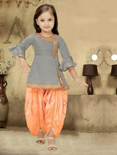 Top trendy and stylish Punjabi outfits designs for kids, latest and unique dresses designs for kids, top Punjabi dresses designs for baby girls, stylish baby girls frocks designs, unique and exclusive Punjabi frocks designs Girls Frock Design, Kids Frocks Design, Baby Frocks Designs, Baby Dress Design, Baby Girl Frocks, Frocks For Girls, Little Girl Dresses, Girls Dresses Sewing, Kids Dress Wear