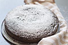 Bizcocho fácil de chocolate – Vídeo receta