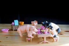 """Isabelle, 6, put together this delightful #Schleich scene featuring a """"Pig Tea Party"""" - very clever!"""