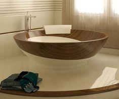 Современный Изящный и Сложный Дизайн Ванной с Деревянной Мебелью и Ванной