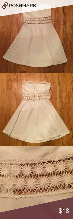 White strapless mini dress Sweetheart neck line. White. Flowy. See through floral. Zip up back. Worn once Love Culture Dresses Strapless