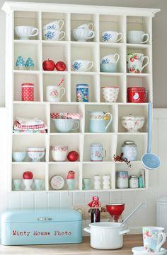 Minty House kitchen, Autumn, apples, red, blue, Green Gate, Cath Kidston, Ib Laursen enamel