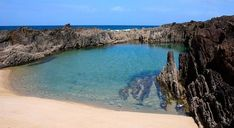 Galicia - Playa de As Furnas, Porto do Son Sea Life Art, Beach Vibes, Travel Goals, Spain Travel, Ibiza, Places To Travel, Beautiful Places, Scenery, Coast