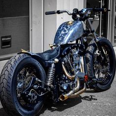 PURPOSE BUILT MOTORCYCLES : Photo