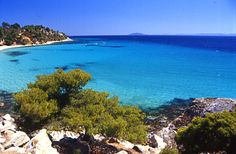 This photo from Halkidiki, Macedonia is titled 'Elia beach'. Travel Around The World, Around The Worlds, Halkidiki Greece, Greek Music, Paradise On Earth, Going On A Trip, Thessaloniki, Macedonia, Viajes