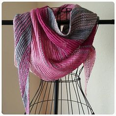 Black to the Fuchsia pattern by Casapinka
