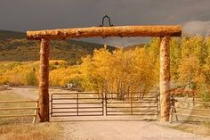 ranch branch entry gate | SuperStock - Entrance gate of mule ranch, Montana, USA