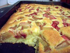 Rezept für Blitz-Rhabarberkuchen bei Essen und Trinken. Und weitere Rezepte in den Kategorien Eier, Gemüse, Getreide, Milch + Milchprodukte, Kuchen / Torte, Backen, Einfach, Gut vorzubereiten.