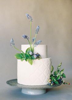 Florals: @studiomondine, Cakes: @ninecakes, Photography: @jenhuangphoto