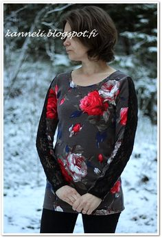 Jersey shirt and lace sleeves