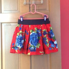 Floral a&f skirt Size small. Brand new never worn Abercrombie & Fitch Skirts