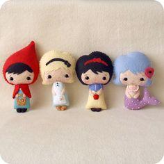 oh, wow!  i think this person only sells patterns.  i want to buy the dolls!  how PERF are they?!!!!